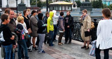 Видеоэпизод экскурсии «По Верхним Садовникам», на стрелке Болотного острова