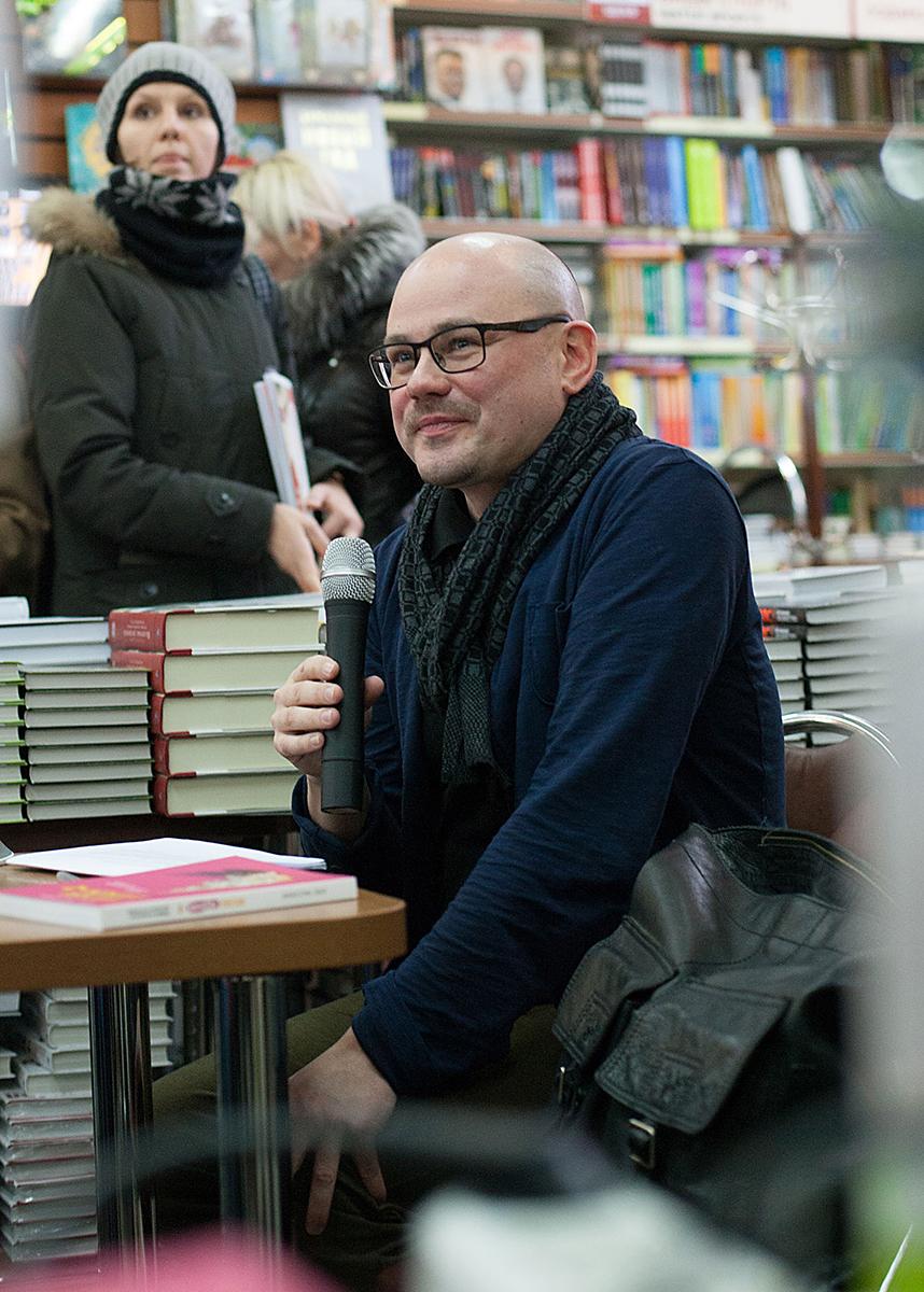 Олег Рассохин на встрече с читателями в «Библиоглобусе», декабрь 2016 г.