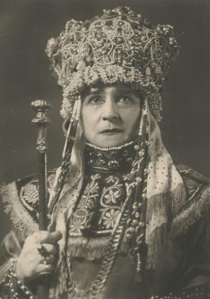 Книппер-Чехова на сцене Московского Художественного.