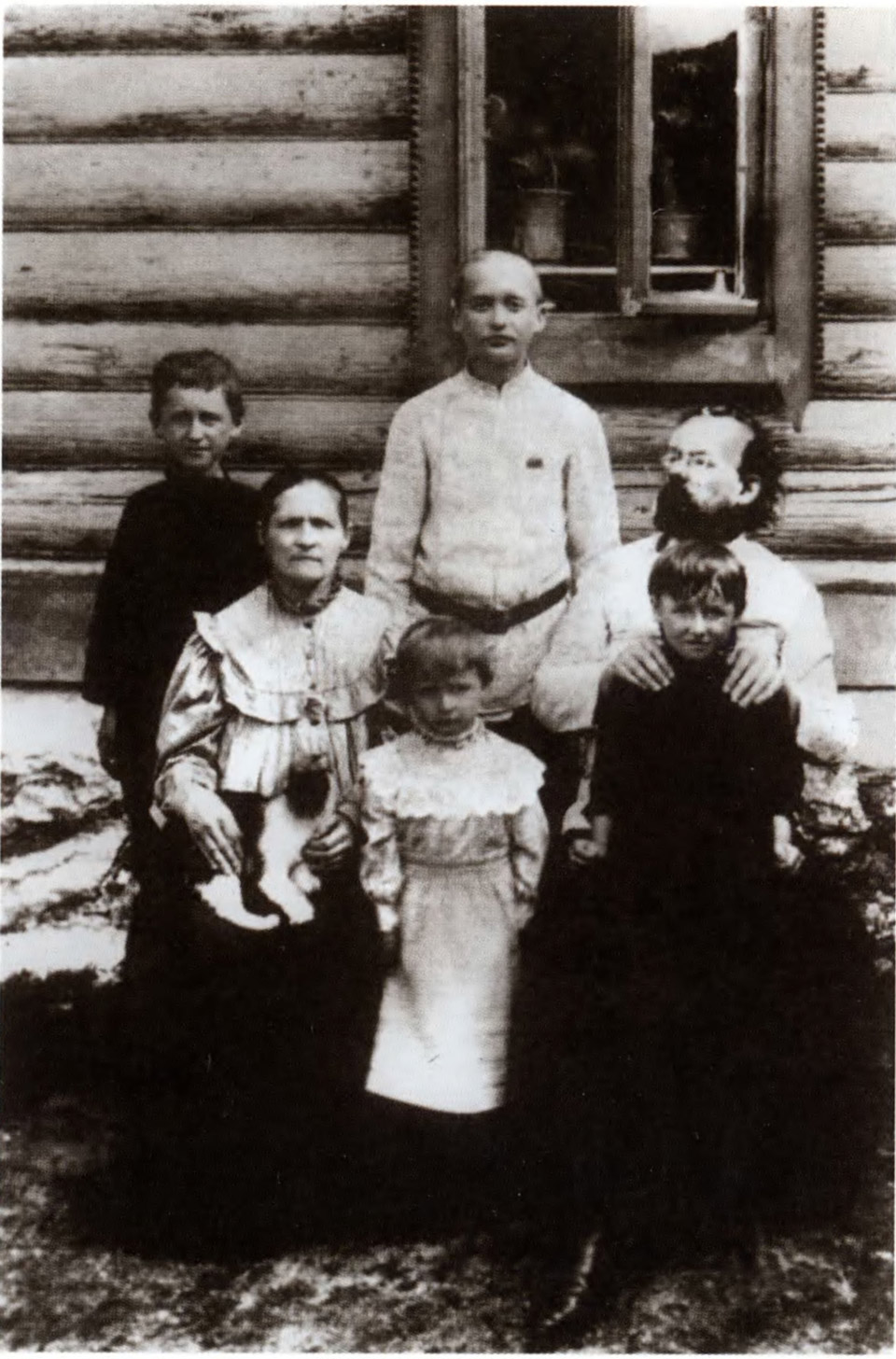Циолковский с женой и детьми