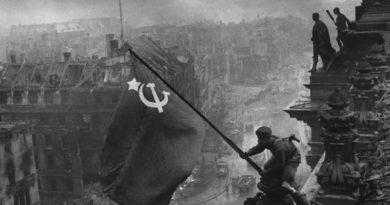 Евгений Халдей: человек, поставивший в войне точку