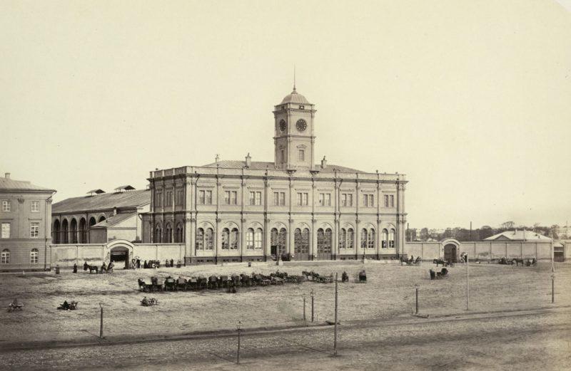 Ретро-фото: Ленинградский вокзал, Москва, экскурсии