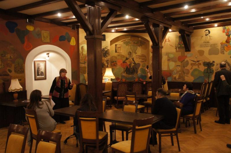 экскурсия Ирины Стрельниковой в особняк Святополк-Четвертинского, в Пестром зале