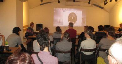 Отметили день рождения Гоголя, фотоотчет о лекции Ирины Стрельниковой 1 апреля 2019 г.