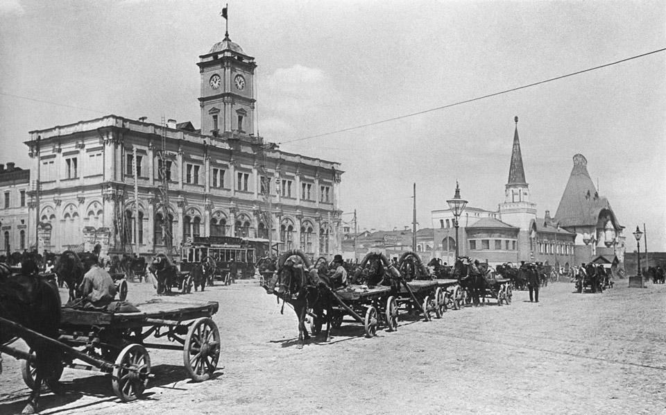 Ретро-фото: площадь трех вокзалов, Москва. экскурсии