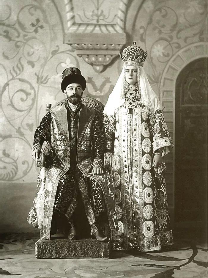 царь Николай 2 с царицей