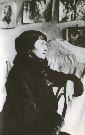 Анна Ахматова в профиль