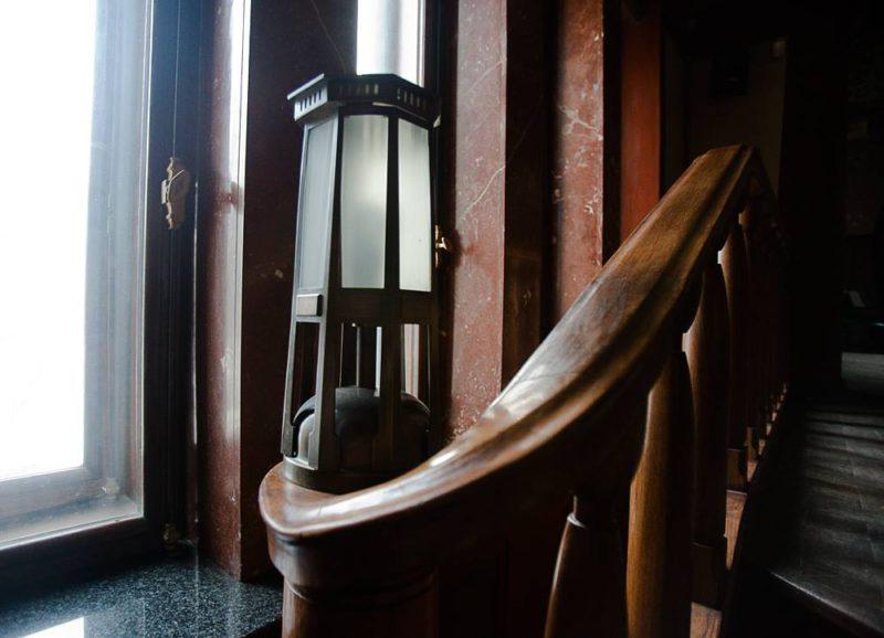 Особняк Смирнова на Тверском бульваре, деталь интерьера (типичный для Шехтеля фонарь)