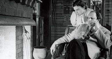 Алексей Толстой: советский граф и его графини